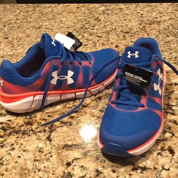 e8c78e3561 Under Armour Boys tennis shoes brand new size 6 NWT